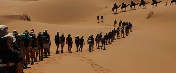 Gente en el sahara