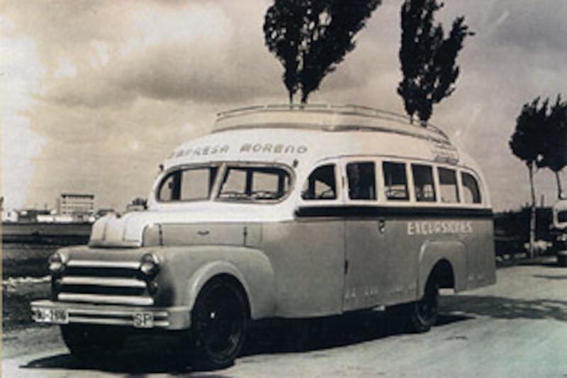 Autocar antiguo pequeño