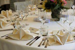 Mesa de evento en un restaurante